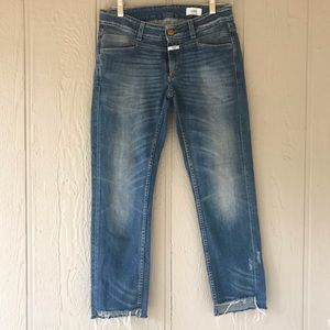 Closed | Italy step hem distressed blue jeans 29